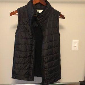 Black puff / cotton vest
